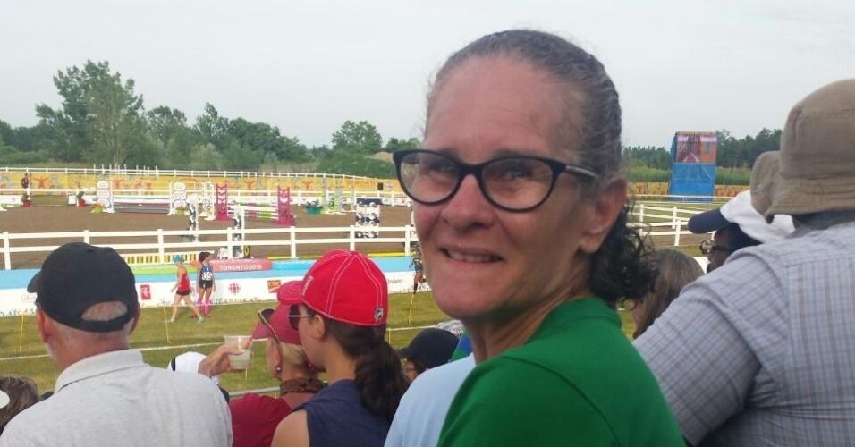 Gorete Fonseca Marques é mãe da medalha de ouro Yane Marques e ficou o dia todo sob o sol para ver a filha ganhar a medalha de ouro no pentatlo moderno