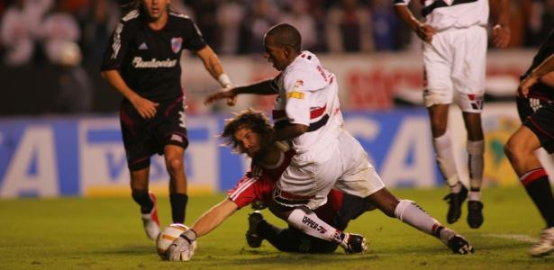 Semifinal da Libertadores de 2005 contra o River: boa recordação para Ceni