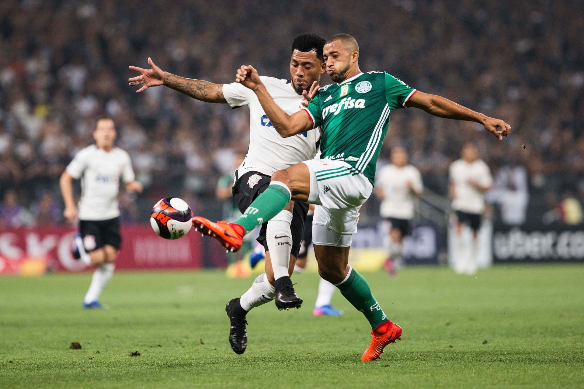 83b4b533b4 Corinthians e Palmeiras avançam