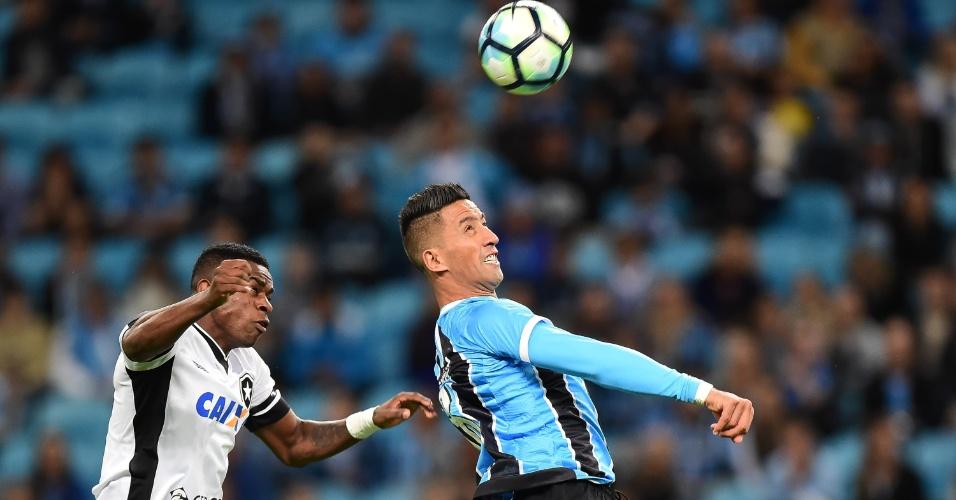 Barrios, do Grêmio, e Emerson, do Botafogo