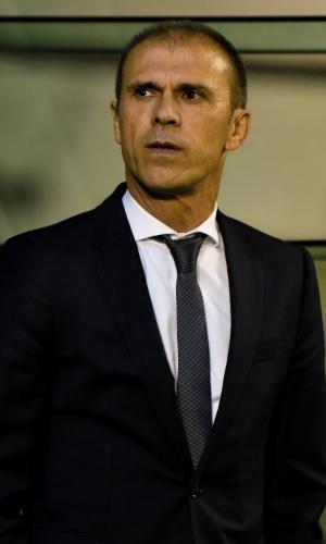 Milton Mendes comanda o Vasco na partida contra o Sport em São Januário
