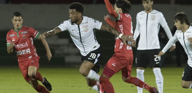 Kazim soma 15 partida com a camisa do Corinthians, com apenas um gol marcado