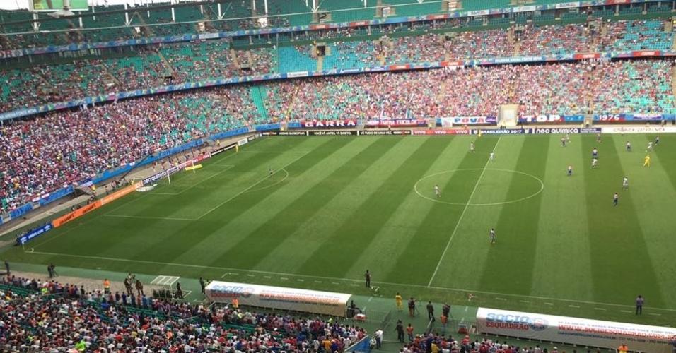 Torcida do Bahia em bom número na Fonte Nova para o jogo contra o Botafogo