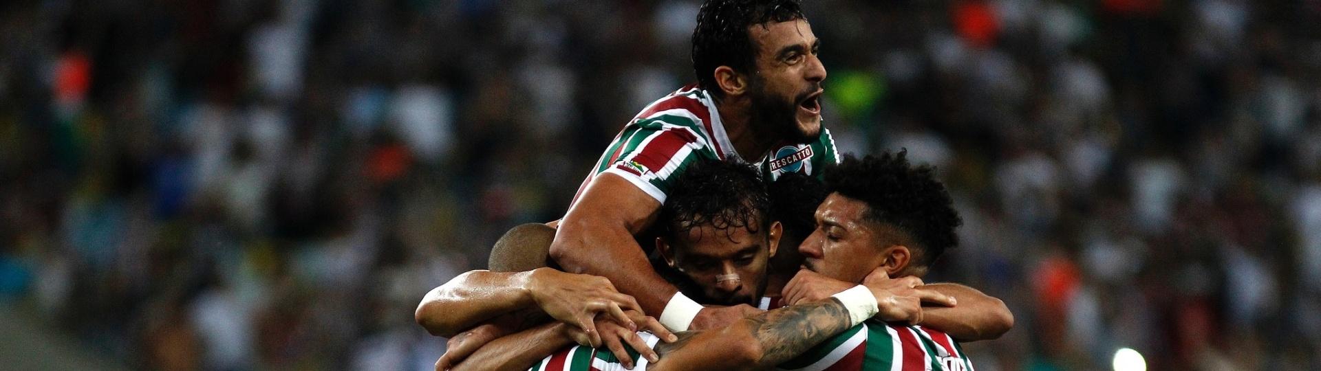 Jogadores do Fluminense comemoram gol do time contra o São Paulo