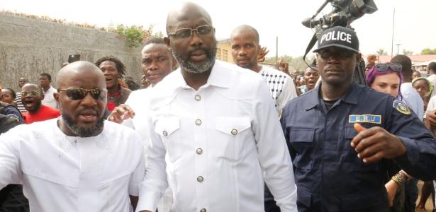 George Weah chega para votar na eleição presidencial da Libéria