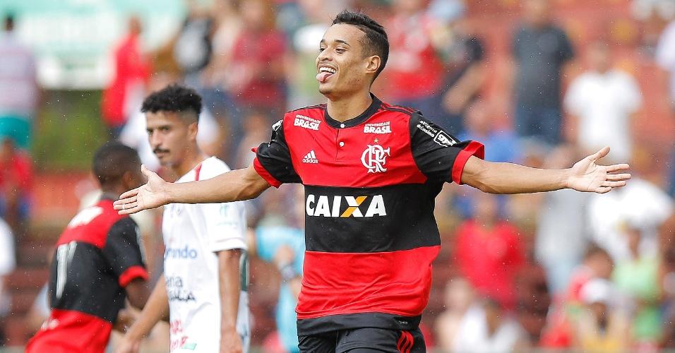 Luiz Henrique comemora gol do Flamengo contra a Portuguesa pela Copa São Paulo