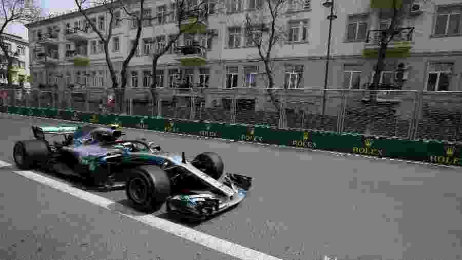 Bottas durante primeiro treino livre para o GP do Azerbaijão - David Mdzinarishvili/Reuters