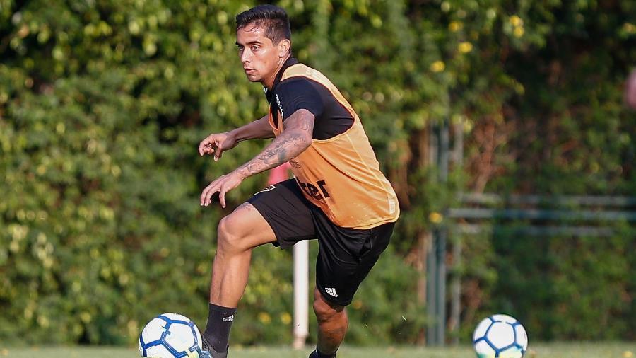 Meia-atacante jogou apenas dez vezes com a camisa do Tricolor e não marcou nenhum gol - Marcello Zambrana/AGIF