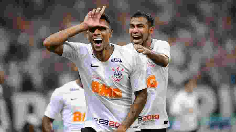 Gustagol comemora após marcar para o Corinthians contra o São Paulo - Alan Morici/AGIF