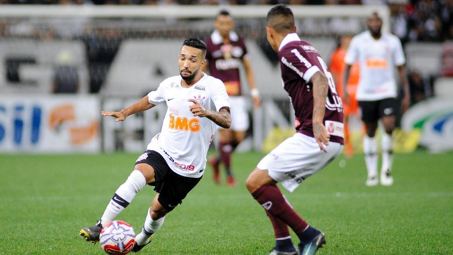 Clayson, durante partida entre Corinthians e Ferroviária - Alan Morici/AGIF
