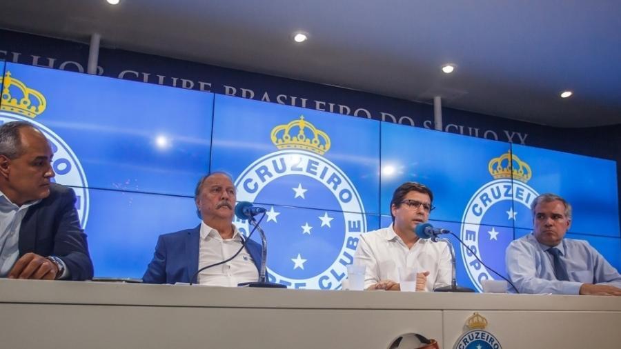 Wagner Pires de Sá, ex-presidente do Cruzeiro, e Itair Machado, ex-vice-presidente, aumentaram salários no clube - Vinnicius Silva/Cruzeiro