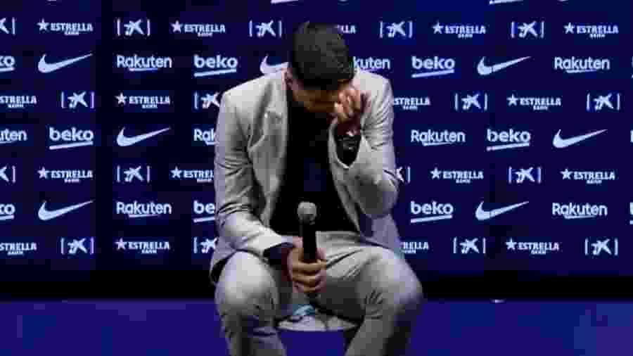 Suárez chora em evento de despedida do Barcelona - Reprodução/YouTube