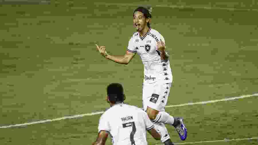 O japonês Honda, do Botafogo, é um dos 73 estrangeiros no Brasileirão 2020 - Paulo Paiva/AGIF