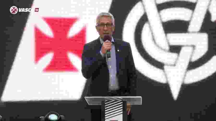 """Presidente do Vasco, Alexandre Campello está inclinado a implementar eleição """"híbrida"""" no Vasco: presencial e online - Reprodução / Vasco TV"""