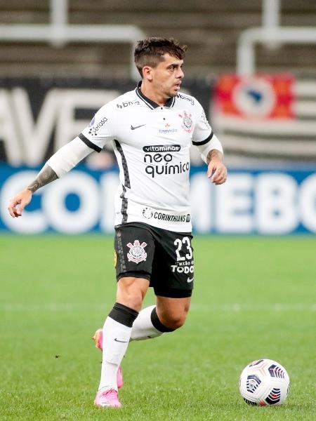 Fagner em ação pelo Corinthians na derrota para o Peñarol, pela Sul-Americana - Rodrigo Coca/Agência Corinthians