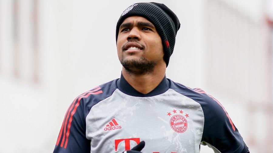 Douglas Costa durante treino do Bayern de Munique em novembro de 2020 - Marco Donato/AFP/Bayern de Munique