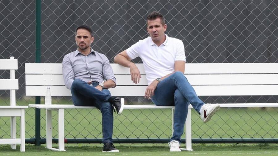 Diretor de futebol do Atlético-MG, Rodrigo Caetano (esq) usa experiência para levar o Atlético-MG ao caminho dos títulos - Pedro Souza/Atlético-MG