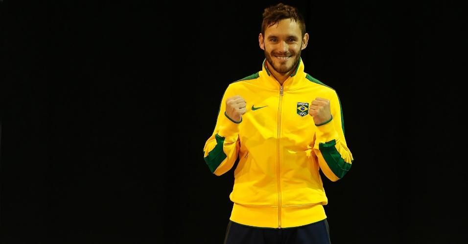 Douglas Brose conquistou a medalha de ouro para o Brasil no caratê na categoria até 60 kg