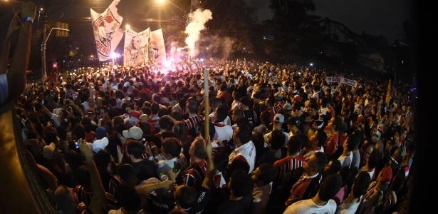 Torcida promete incentivar time na porta do Morumbi, postura oposta ao protesto de 2016