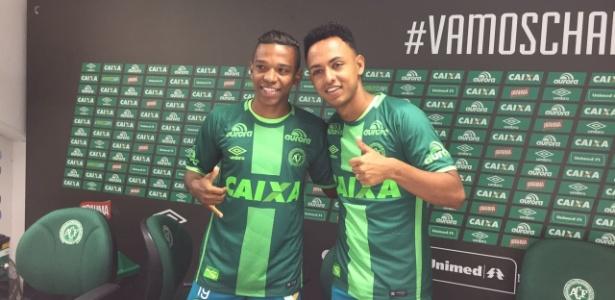 Niltinho (esq.) e Dodô foram apresentados pela Chapecoense