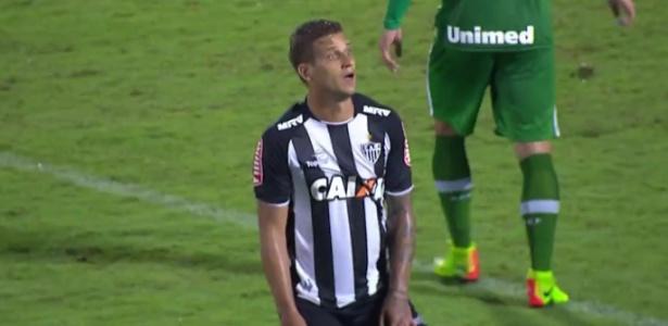 Rafael Moura é um dos três jogadores do Atlético-MG que vai enfrentar a Chape novamente em 2017