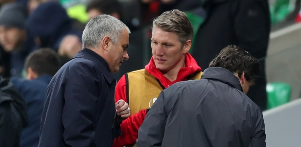 Schweinsteiger disse não culpar Mourinho por treinar separado