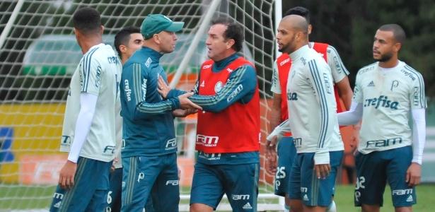 Discussão marcou a atividade da última segunda-feira na Academia de Futebol