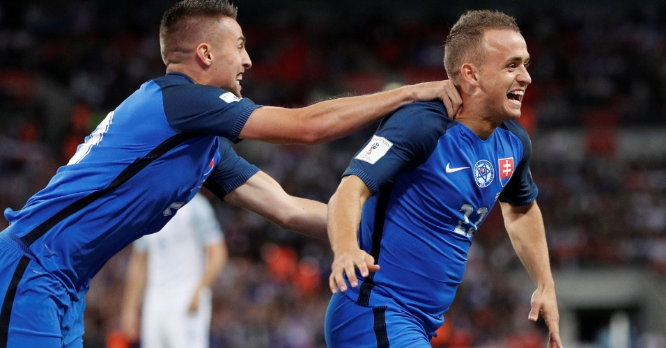 Lobotka comemora o gol da Eslováquia contra a Inglaterra