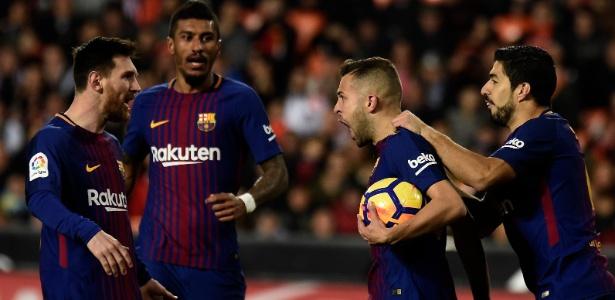 Barcelona gasta, em média por ano, R$ 27 milhões com salário para cada jogador - AFP