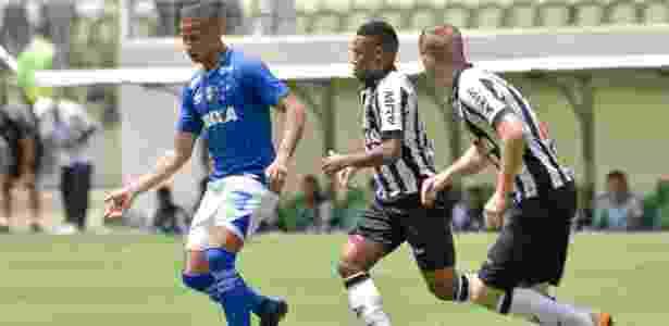 17919e3b55 Substituto de Fred marca o gol da vitória do Cruzeiro sobre o ...