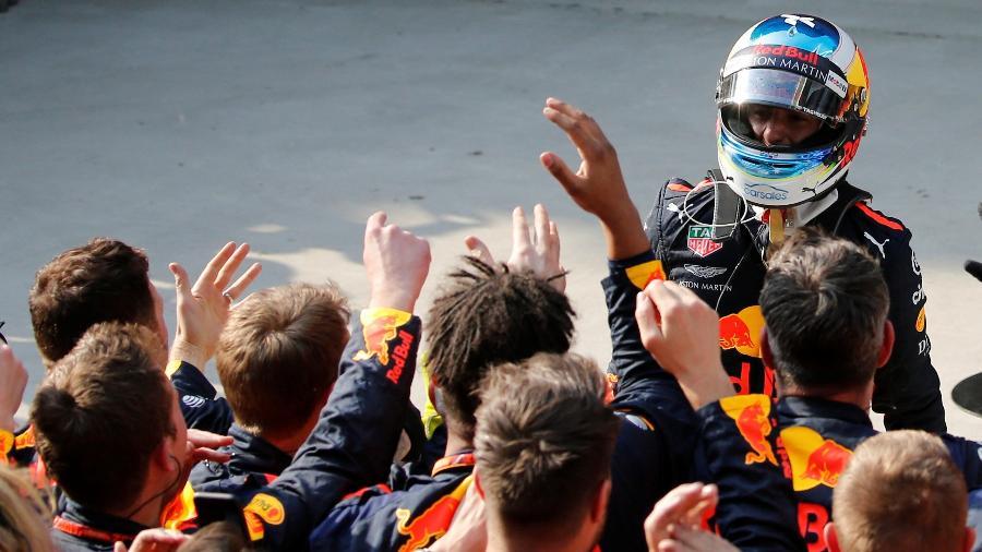 Cotado em equipes como Mercedes e Ferrari, australiano busca carro para disputar o título - Aly Song/Reuters