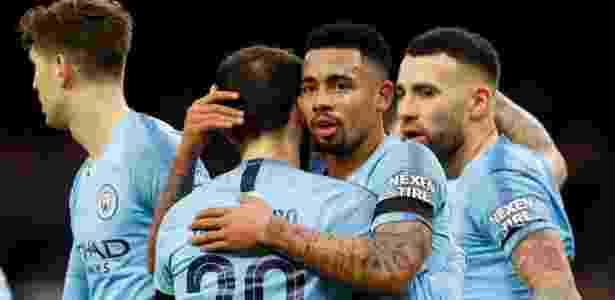G. Jesus comemora gol marcado em duelo contra o Bunrley - JASON CAIRNDUFF/Action Images via Reuters