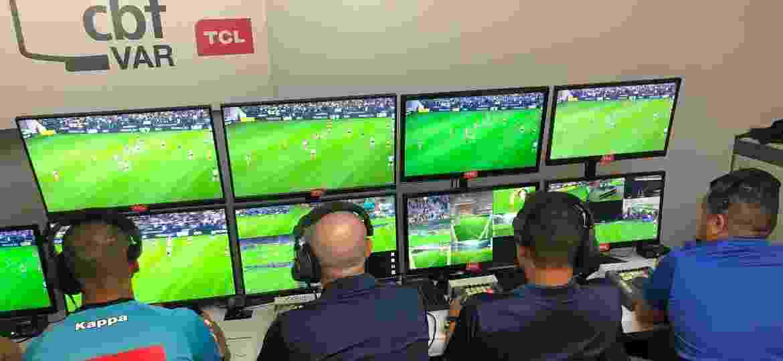 Sala de VAR montada na Arena Corinthians - Fernando Torres / CBF