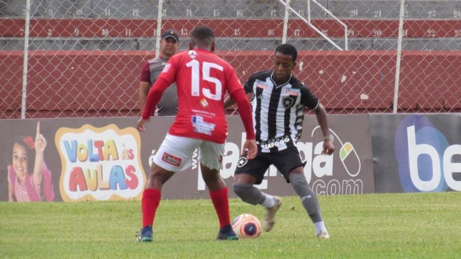Ênio foi o autor dos dois gols na vitória do Botafogo sobre o Noroeste e classificou o Alvinegro na Copinha - Fabio de Paula/Botafogo