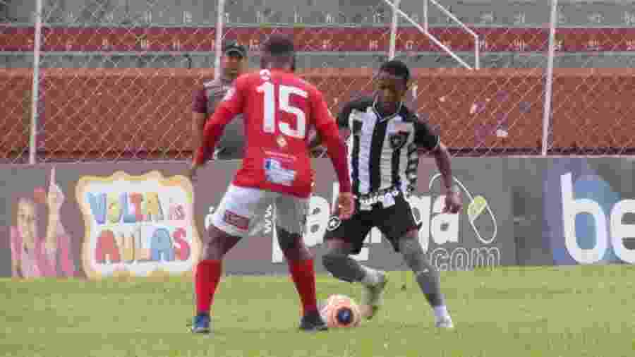 Ênio foi o autor dos dois gols na vitória do Botafogo sobre o Noroeste. Camisa 10 se destacou na Copinha - Fabio de Paula/Botafogo