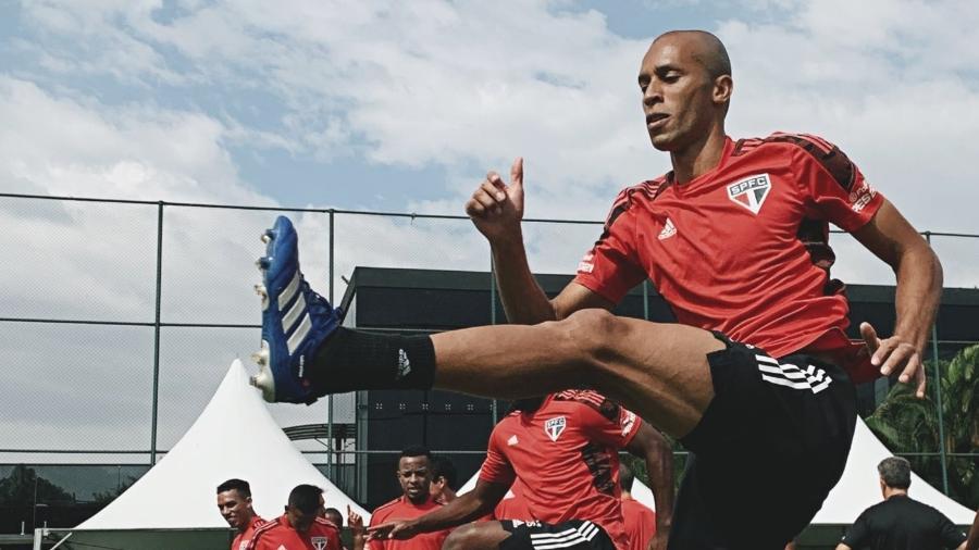 Miranda, zagueiro do São Paulo, durante treino no decorrer da semana - Divulgação/São Paulo FC