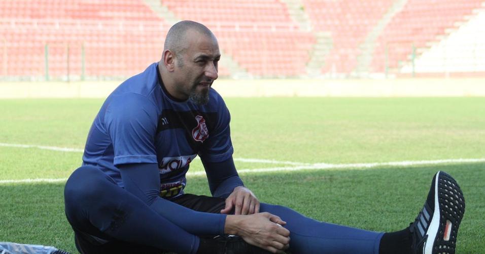 Goleiro Gomes está com 40 anos e chegou a aposentar no fim do ano passado