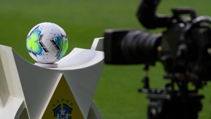Bola do Brasileirão 2021 - Fernando Moreno / AGIF
