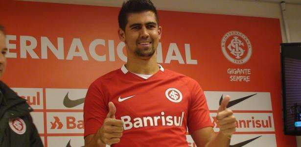 Leandro Almeida ganhou vaga de Alan Costa após recuperar forma física no Inter