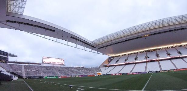 Arena Corinthians corre risco de desabamento
