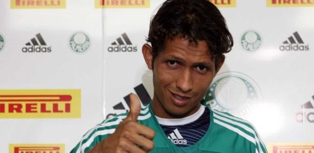 Rosembrick passou pelo Palmeiras em 2006, mas não vingou
