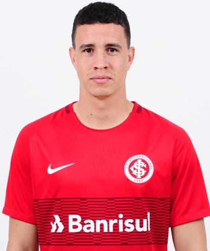 Roberson de Arruda Alves, atacante do Internacional