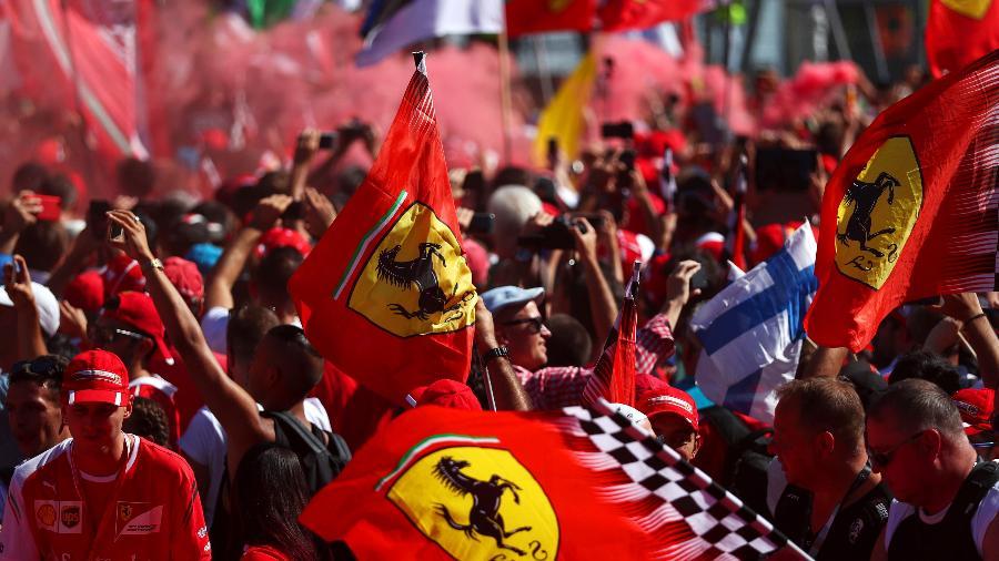 Torcida da Ferrari no GP de Monza - Dan Istitene/Getty Images