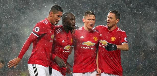 Jogadores do United comemoram gol de Lukaku contra o Bournemouth - Catherine Ivill/Getty Images