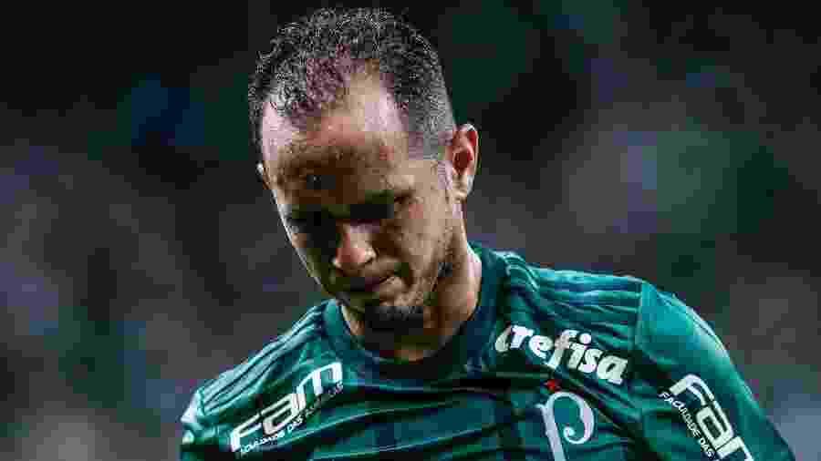 Guerra em ação pelo Palmeiras; meia não está nos planos de Luxemburgo e pode parar no Cruzeiro - Marcello Zambrana/AGIF