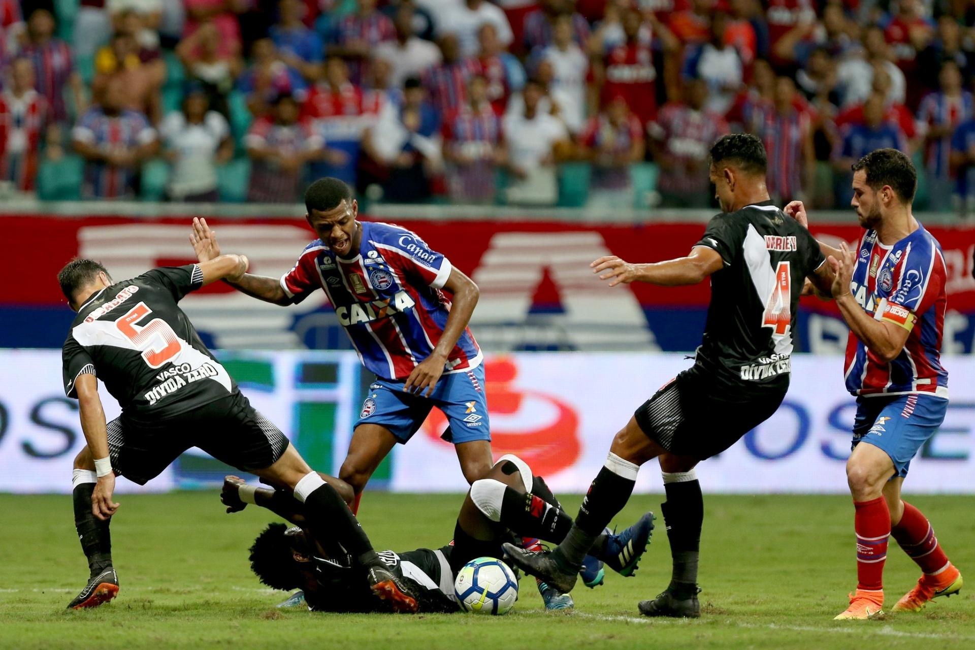 e6b00a08ee Novos baianos  Vasco recebe Vitória após derrota acachapante para Bahia -  13 05 2018 - UOL Esporte