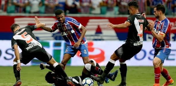 Vasco sofreu derrota acachapante para o Bahia por 3 a 0 na última quarta