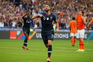 Giroud encerra jejum da Copa e garante vitória da França contra a Holanda 1022cb1f730a2