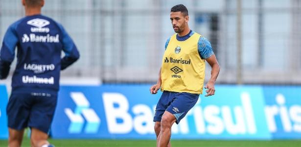 Michel voltou aos treinos, mas não atua pelo time principal do Grêmio desde maio  - Lucas Uebel/Grêmio