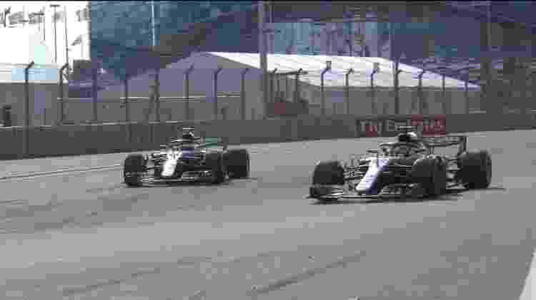 Hamilton passa Bottas no GP da Rússia - Reprodução/Twitter - Reprodução/Twitter